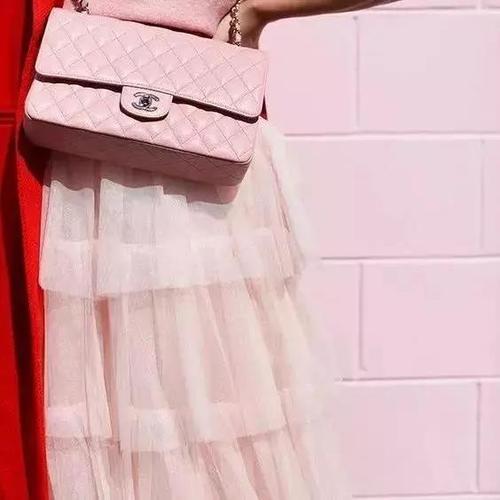 樱花粉服装色彩搭配
